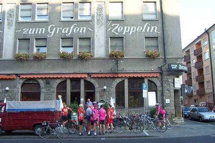 Start am Hotel zum Grafen Zeppelin