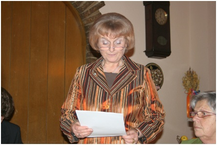 Helga Aue, 2. Vorsitzende eröffnet die Versammlung