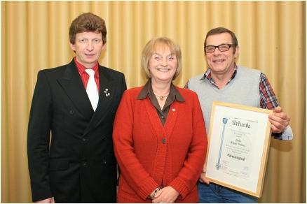 Zwei hohe Auszeichnungen an zwei Vereinsmitglieder verliehen